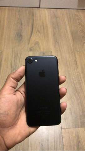 iPhone 7 (32gb) jet black colour
