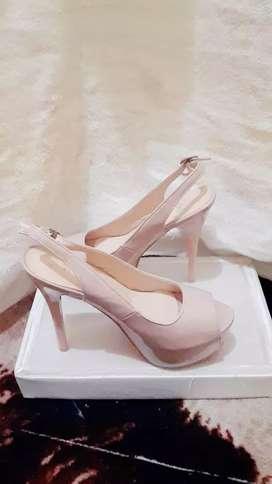 Sepatu High Heels Christian L
