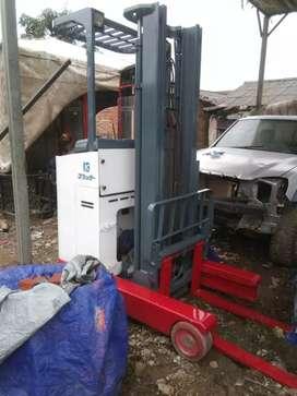 Reach truck 1.5T/4meter / stacker full electric / pallet elektrik