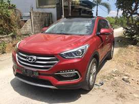 Hyundai Santa Fe Model 2017 ONLY 17,000 km