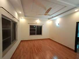 1Kanal New Upper Portion Available For Rent In DHA Phase 5 Lahore