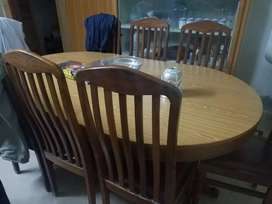 8 chairs 1 daining. Table
