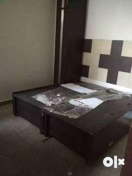 2 bhk builder floor on rent only in 10K per mmonth, in  Inindirapuram,