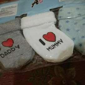 Kaos kaki bayi avery