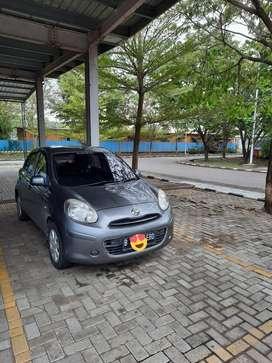 Jual Nissan March MT 2011 Abu-abu Plat B Depok