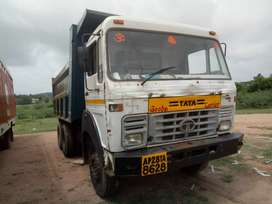 Tata 10 tyre tipper in very good condition