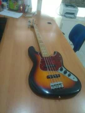 Jazz bass mulus kondisi seperti baru