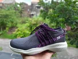 Sepatu skechers cewek go walk revolution