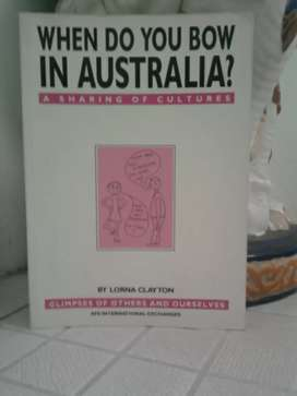Buku When Do you bow in Australia , by : Lorna Clayton