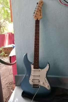 Yamaha Electric Guitar Pacifica 112J