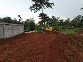 Pengurugan tanah land clearing cut and fill stripping excavator pc50