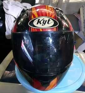 Helm kyt seven masih bagus