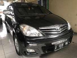 Toyota innova G MT 2.0 2011