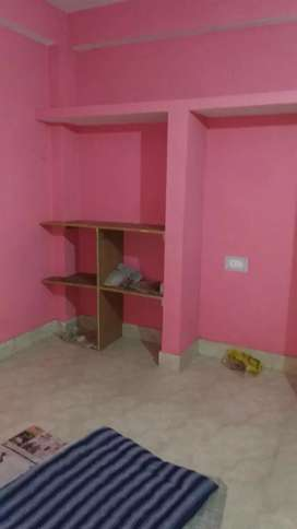 1 Room vaccant in 2 bhk flat