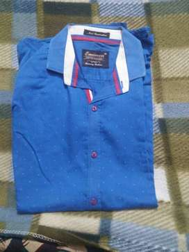 Blue And White Button-up cotton shirt size m