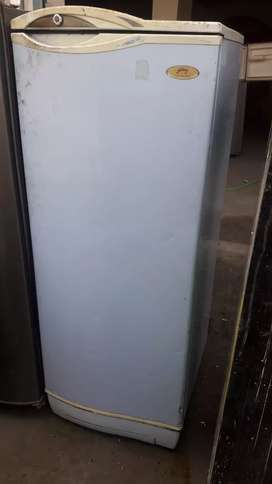 LG fridge very nice condition