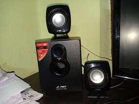 F&D 2.1 speaker system