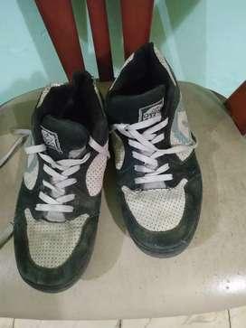 Sepatu Airwalk Bekas