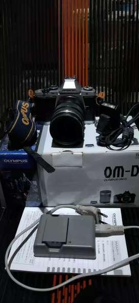 Olympus OMD EM-5 kit 12-50mm macro