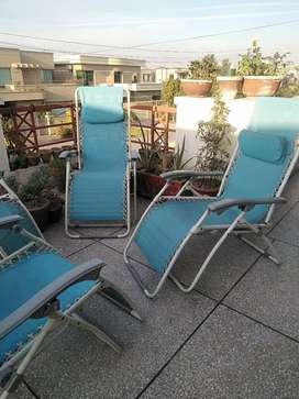 Outdoor  4 chairs folding