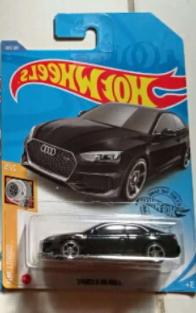 Diecast audi rs5 coupe 0