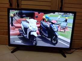 "TV LED PANASONIC 22"" Fullset & Mulus"