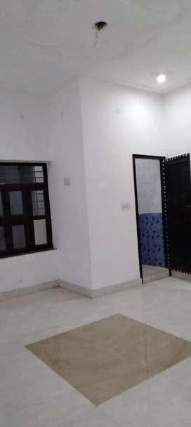 3 bhk bhuddut कॉलोनी बल्लागढ़ सेकंड फ्लोर खाली हैं सारी जानकारी नीचे ह