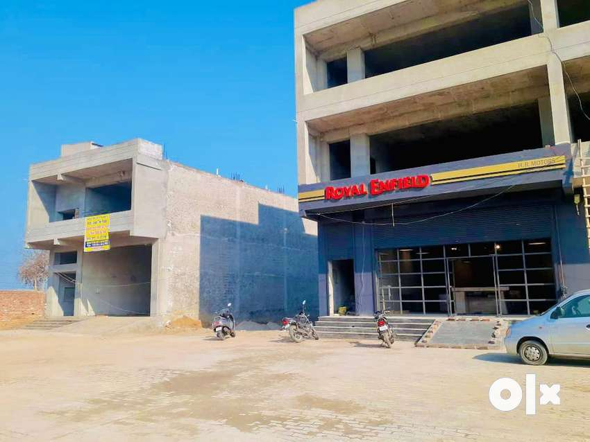 Commercial space for rent/lease 800 -4500 sqft on highway wid parking 0