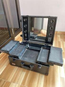 Beauty Case with Lighting Kotak Rias dengan Lampu