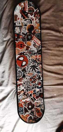 Adult skateboard new condition with hd grahpics,120kg it can carry