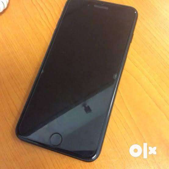 Iphone 128gb, Jet Black, more than one year old. Perfect condition. 0