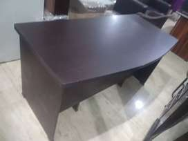 Brand New Fresh Office Table Size 5x2.5 Fit