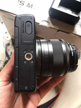 Canon EOS M10 Black (Second Good Condition)