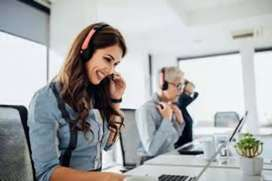 Five Days Working Hindi Call Center ( CCE ) Bpo JOB !! Fresher