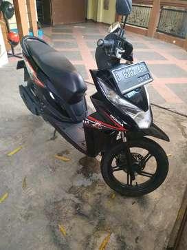 MOTOR BEAT HITAM