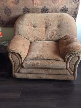 7 seater new sofa set good condition