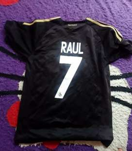 Jersey real madrid classic.