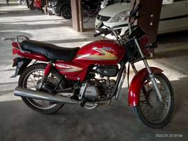 Beautiful red coloured splendor bike for sale