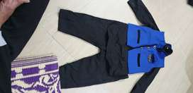 2 to 4 years male kid dresses which is Minimal used and looks new.