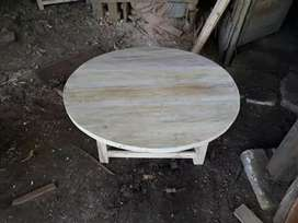 Meja makan/lesehan bulat