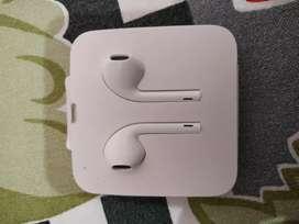 Brandnew headphones of iphone 7 to X