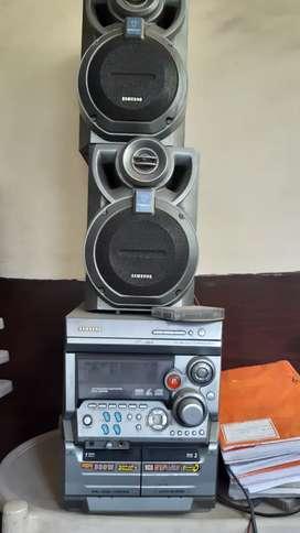 Samsung 800 w music system