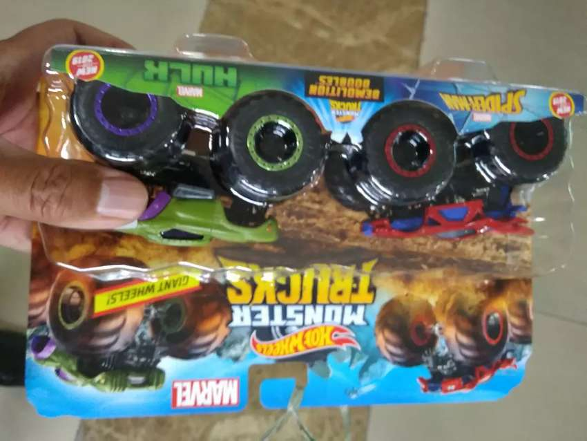 Monster Truck Spiderman Dan Hulk merk Hotwheels