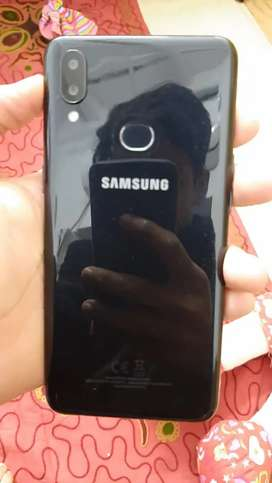 Samsung A10s 6 month use hua hy bilkul new hy hanfre chargr avail2/32