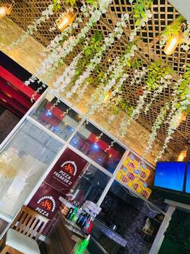 Need boys or girls for pizza restraurent location ravidass chowk call