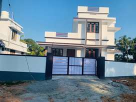 Aluva uc college 5cent bus route 1350sqft 3bhk house for sale