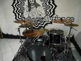 Drum set + cymbal set + double pedal