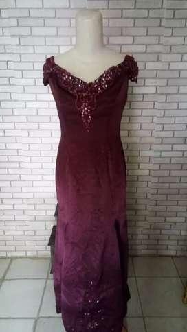 Gaun malam pesta