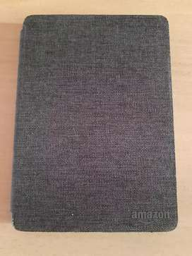 Amazon kindle paperwhite 10th gen 8gb with Amazon basic cover