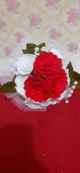 Buket bunga merah putih